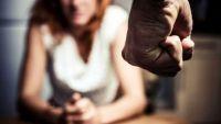 En estado de ebriedad, atacó con un palo en la cabeza a su concubina y la amenazó de muerte