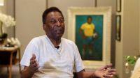 """El mítico Pelé dio """"varios pasos"""" en su recuperación tras la operación de colon"""