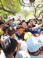 Carlos Tevez revolucionó Loreto con su visita