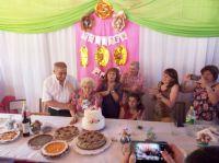 Sara Ovejero cumplió 100 años de vida y lo celebró en familia: Tiene 8 hijos, 21 nietos, 25 bisnietos y 5 tataranietos