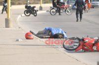 Un joven perdió la vida en la Costanera luego de que cayera de su moto