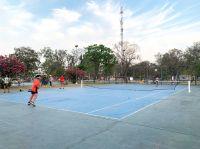 El tenis y los chicos, protagonistas de jornadas de diversión al aire libre