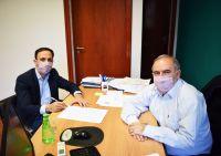 El intendente Araujo firmó un convenio para el enripiado de 10 km de caminos