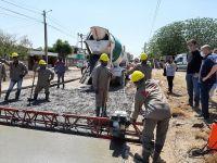 Avanza la obra de pavimentación de más de 500 metros en barrio El Paraíso