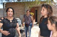 Fue golpeada y acuchillada por su pareja, y pelea por su vida