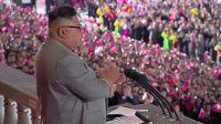 """Kim Jong-un promete crear un ejército """"invencible"""""""