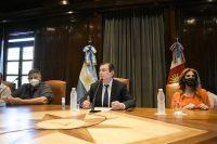 El gobernador Zamora anunció el pago de un bono de  $ 90.000 y una suba del 57% en salarios