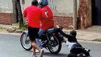 Atacaron a golpes a una vecina de 64 años en la calle para robarle un celular