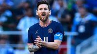 Messi le hizo un regalo futbolero al papa Francisco