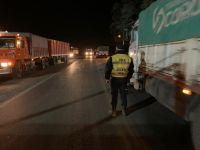 """""""Piratas del asfalto"""" le robaron cajones con pollos congelados a un camionero"""
