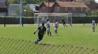 """Arquero amateur hizo un gol de tiro libre """"físicamente imposible"""": Chilavert le puso un 10"""
